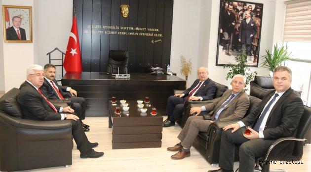 Başkan Yüksel Büyükşehir Belediye Başkanı İle Birlikte Ergene Kaymakamını Ziyaret Etti