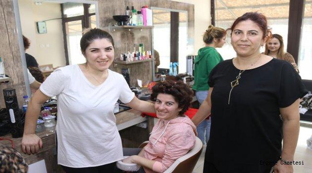 Gelinlerin Saç ve Makyajları Ergene Belediyesi Kursiyerlerinden