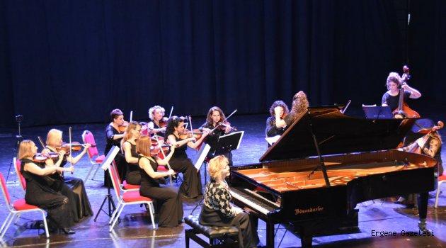 Gülsin Onay'dan Muhteşem Bir Konser