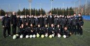 Başkan Sarıkurt'tan Kadın Futbol Takımına Ziyaret